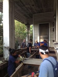 External-Home-Repairs-with-Volunteers-Grassroots-3