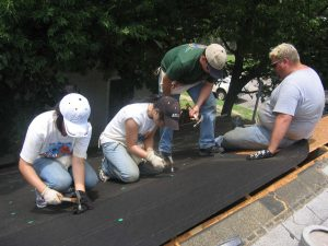 External-Home-Repairs-with-Volunteers-Grassroots-1