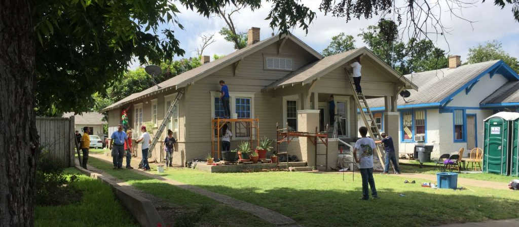 External-Home-Repairs-with-Volunteers-Grassroots-095